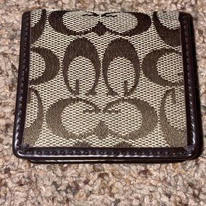 Guess coin pouch